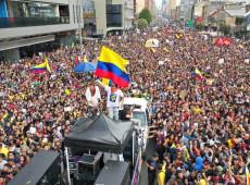 Con música, los colombianos protestan contra el autismo político del presidente Duque